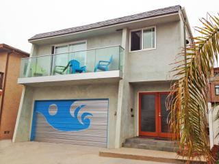 Sand Section Townhouse Apartment With Water View - Manhattan Beach vacation rentals