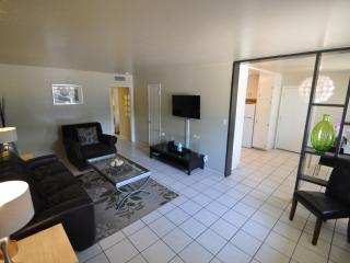 OLD TOWN SCOTTSDALE ! NEW 1 BED! - Scottsdale vacation rentals