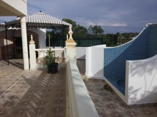 Villa in Albufeira just 2 kms of beach - Albufeira vacation rentals