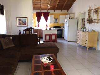 Cozy 2 bedroom Bungalow in Negril - Negril vacation rentals