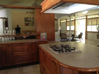 Nice House with Internet Access and A/C - Maharepa vacation rentals