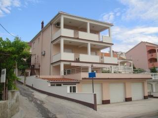 Dragutin A1(4+2) - Okrug Gornji - Okrug Gornji vacation rentals
