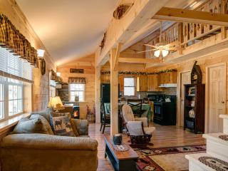"""The Good Life"" romantic, cozy getaway.  Adk. Mtns. - Wells vacation rentals"