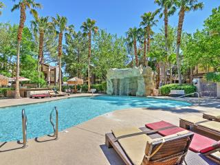 Lavish 3BR Las Vegas Condo w/Wifi, Private Balcony & Endless Resort-Style Amenities - Easy Access to the Strip! Walk to Spanish Trail Country Club! - Las Vegas vacation rentals