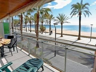 Sunny Condo with Short Breaks Allowed and Long Term Rentals Allowed (over 1 Month) - Salou vacation rentals