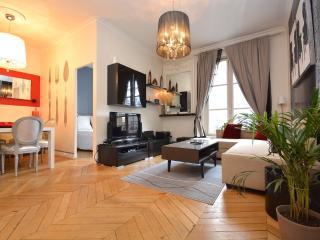Deluxe apart Eiffel Tower 2 Bedroom - Paris vacation rentals