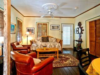 Caribbean Cottage ~ Duval Street Key West ~ Weekly Rental - Key West vacation rentals