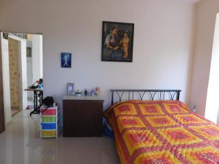A cosy room in a peaceful home - Mumbai (Bombay) vacation rentals