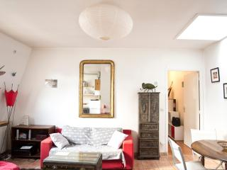 Friendly apartment - Paris vacation rentals