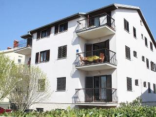 Lovely Condo with Internet Access and A/C - Umag vacation rentals