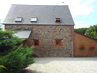 Beautiful converted barn with 3 bedrooms - Tinchebray vacation rentals