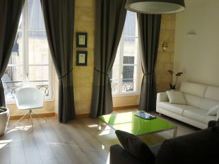 Nice Condo with Internet Access and Wireless Internet - Bordeaux vacation rentals