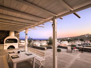 2 bedroom Houseboat with Internet Access in Emporio - Emporio vacation rentals