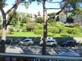 accogliente app. 200 mt. dal mare clima+parcheggio - Bordighera vacation rentals