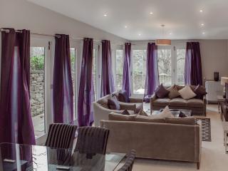 The West End Residence @ Great Stuart Street - Edinburgh vacation rentals