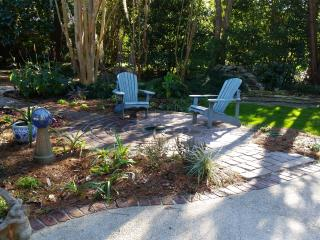 Mid-century modern near downtown and beaches - Charleston vacation rentals