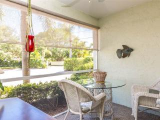 Casa Siesta, ground floor, 2 bedrooms, walk to Siesta Key beach - Siesta Key vacation rentals