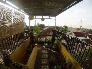 Bright 4 bedroom House in Masbagik with Internet Access - Masbagik vacation rentals