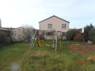 1er étage de maison avec jardin et terrasse - Lachapelle-sous-Aubenas vacation rentals