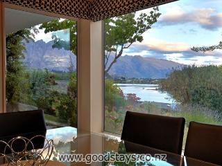The Lakes Edge Central Queenstown, Wifi & Stunning Views - Queenstown vacation rentals