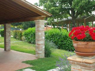 Ginestra countryhouse apartment - Todi vacation rentals