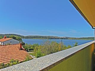 1 bedroom Apartment with Internet Access in Pomer - Pomer vacation rentals