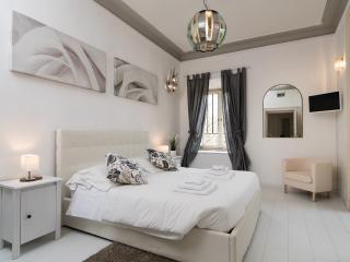 Apartment close to San Pietro 2 - Rome vacation rentals