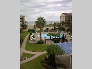 Beautiful Beach & Pool Front Condo - Galveston vacation rentals