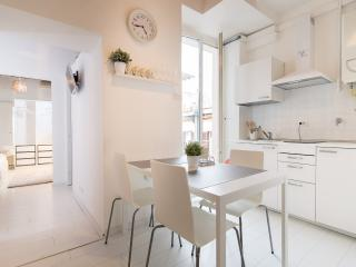 Colosseo apartment 2 - Rome vacation rentals