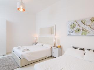 Apartment close to Colosseo - Rome vacation rentals