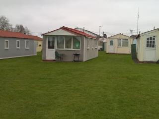 Chalet at priory hill Leysdown for rent. - Leysdown-on-Sea vacation rentals