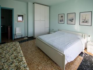 Vensìalmare is a wide flat very close to seaside - San Bartolomeo al Mare vacation rentals