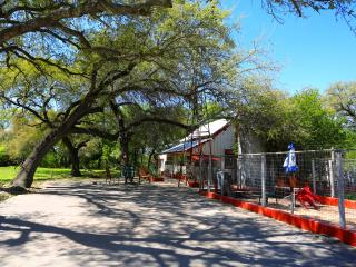York Creek Cottage (the Wahlheifer Haus) - New Braunfels vacation rentals