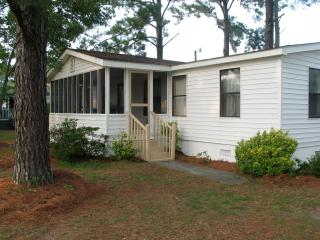 Beachwelcome2 Cottage, 2 piers, boat ramp, pets ok - Ocean Isle Beach vacation rentals
