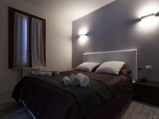 Comfortable 1 bedroom Vacation Rental in Marghera - Marghera vacation rentals