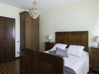 Comfortable 3 bedroom Marghera Apartment with Internet Access - Marghera vacation rentals