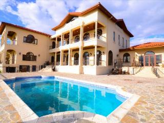 Beautiful Villa with Internet Access and Dishwasher - Paradise Island vacation rentals