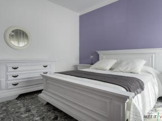 Comfortable 3 bedroom Mestre Apartment with Internet Access - Mestre vacation rentals