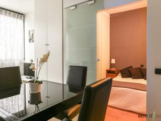 Romantic 1 bedroom Mestre Condo with Internet Access - Mestre vacation rentals