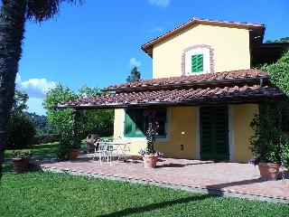Gorgeous House with Deck and A/C in Lamporecchio - Lamporecchio vacation rentals
