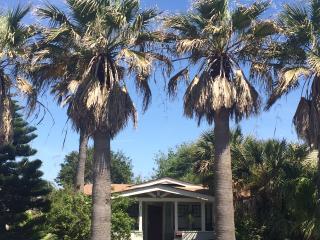 Coronado Palms Coastal Cottage - Pet Friendly - Galveston vacation rentals