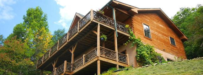 Mountain Home with Views near Asheville, Sleeps 10 - Asheville vacation rentals