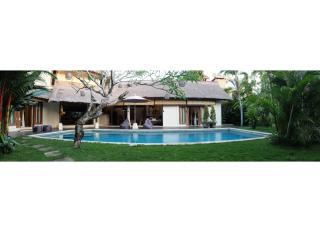 Umah Maya Spacious 3BR Villa, Oberoi, Seminyak - Seminyak vacation rentals