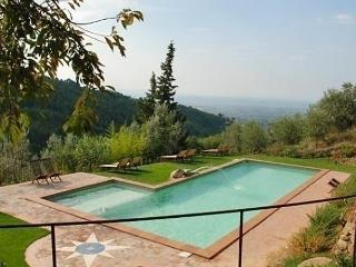 Sunny 3 bedroom Vinci Apartment with Dishwasher - Vinci vacation rentals