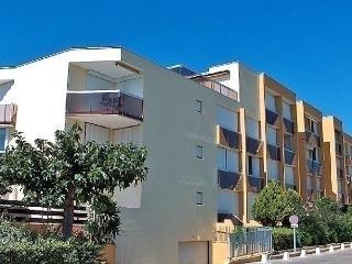 1 bedroom Apartment with Short Breaks Allowed in Le Grau Du Roi - Le Grau Du Roi vacation rentals