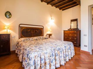The Nest apartment with private garden - Dicomano vacation rentals