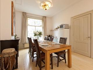 Comfortable 1 bedroom Apartment in Amsterdam with Dishwasher - Amsterdam vacation rentals