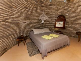 Gorgeous Bed and Breakfast in Jijoca de Jericoacoara with Parking, sleeps 3 - Jijoca de Jericoacoara vacation rentals