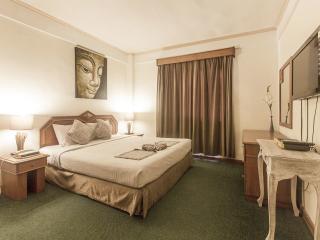 WHAT ??? CHEAP 2bdr apartment (Legian) - In Resort - Legian vacation rentals