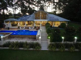 Ridge Retreat At Mollymook Eucalypt Room - Milton vacation rentals